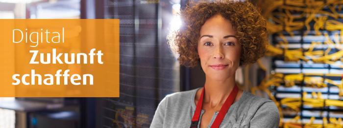 Bild mit Netzwerkadministrator und Text: Digital Zukunft schaffen