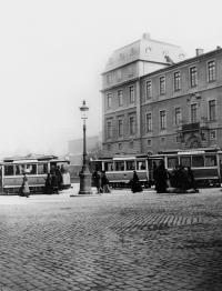 1900 Haltestelle Schloss