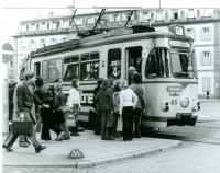 Ursprünglich ein Zweirichtungsfahrzeug: Die zum Einrichtungsfahrzeug umgerüstete ST9 am Luisenplatz, 1969.