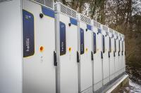 Bis Ende März sollen insgesamt 56 Ladepunkte mit jeweils 150 kW in Betrieb gehen.