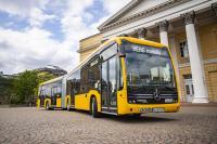 Mit den 13 neuen Gelenkbussen können jetzt noch mehr Menschen emissionsfrei befördert werden.