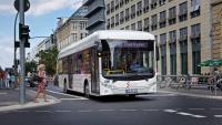 Elektrobus von Sileo im Innenstadtverkehr