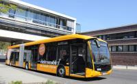Der Elektro-Gelenkbus steht für Test- und Schulungsfahrten bereit.