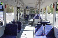 Blick in den Fahrgastraum vom Elektrogelenkbus
