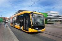 Der Elektrobus Sileo S12 auf Probefahrt am Darmstädter Hauptbahnhof